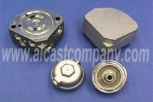 hydrostatic transmission manifold and filter cap